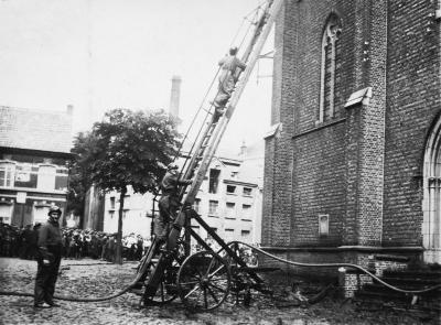 Brandweer, interventies: torenbrand kerk Tielrode