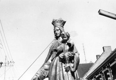 Het hervergulde Mariabeeld
