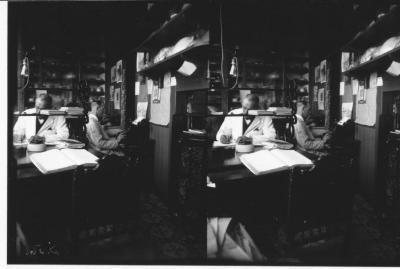 Mannen in bureau