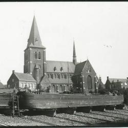 Scheepswerf Maes (12): arbeiders op boot