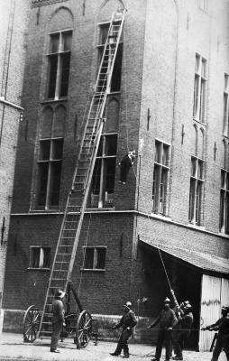 Brandweer Sint-Niklaas, kazerne