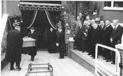 """Begrafenis Ferdinand """"Eduard"""" Van Brande"""