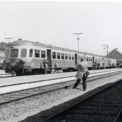 Spoorlijn 59 Vertrek eerste dieselstel vanuit Sint- Niklaas- West