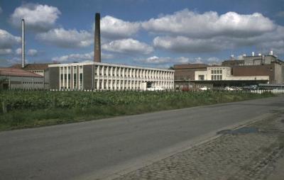 Melkfabriek Milcobel in de Fabriekstraat te Kallo