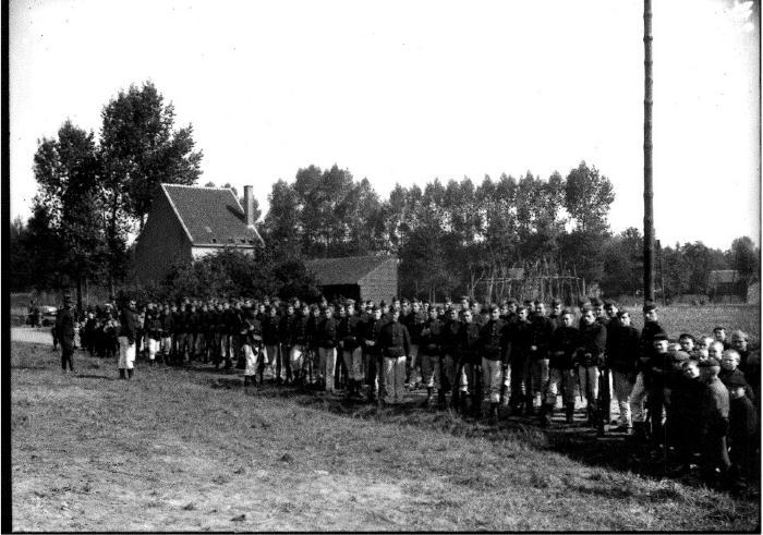 Soldaten oefeningen (8): groepsfoto